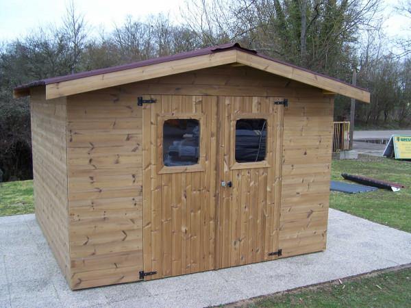 Abri panneaux fabriqué en bois massif traité très haute température / 19 mm / 10,33 m² / Toit double pente en plaques ondulées Onduline