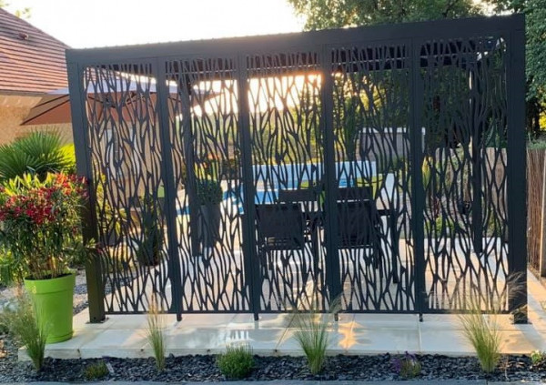 Pergola bioclimatique ALUMINIUM 5 panneaux moucharabieh 3,60 m / 10,80 m²