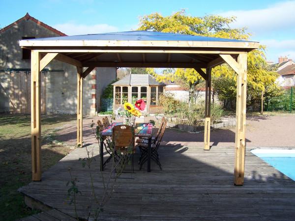 Pool house BLUETERM fabriqué en bois massif traité très haute température / 3,79x3,79 m